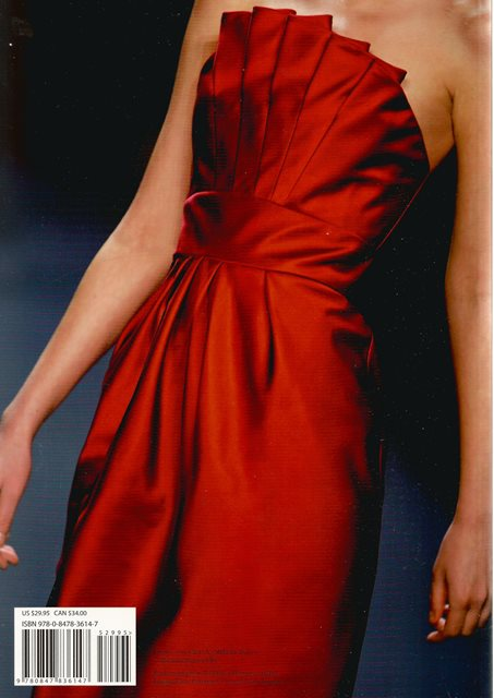 Back cover of Dressed to Perfection by Carmen Marc Valvo