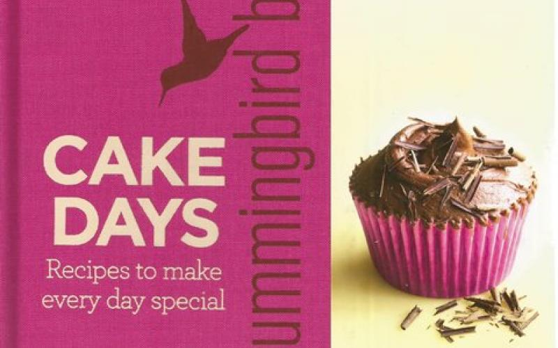 Front Cover of The Hummingbird Bakery Cake Days by Tarek Malouf