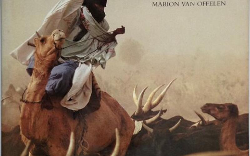 Front Cover of Nomads of Niger by Carol Beckwith and Marion van Offelen