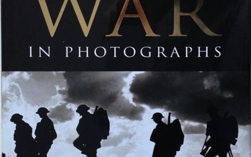 Front cover of The First World War in Photographs by Richard Holmes